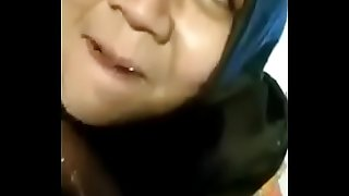 Putri giving blowjob