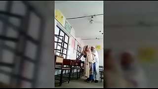 Indian old Muslim principle sex with teacher in class room